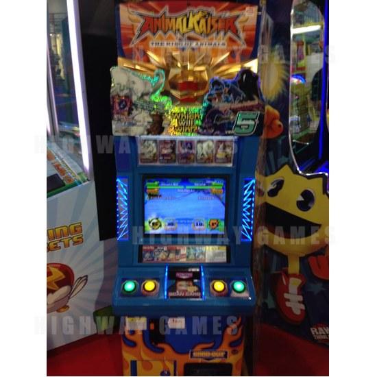 EAG International 2015 Wrap Up - Animal Kaiser Arcade Machine - Bandai Namco - EAG International 2015 - 1
