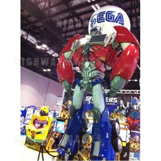 Transformers Human Alliance Allies with Dave & Buster's in Orlando - Optimus Prime @ IAAPA - Sega FB