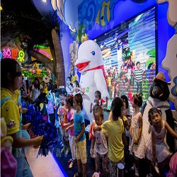 Beluga World First Marine Culture Childrens Theme Park Opens in Dalian