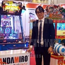 PHOTO: Leo Kim shows off Andamiro's exhibit at JAEPO 2018
